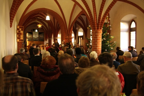 2011-weihnacht-spatzenchor-kinderchor-christvesper-familiengottesdienst-500