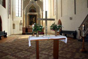 2016-stadtkirche-gottesdienst-altar-IMG_6237-900p