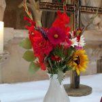 altar-blumen-gottesdienst