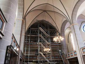 Juni 2019: Vorbereitungen für die Reparaturen am Gewölbe