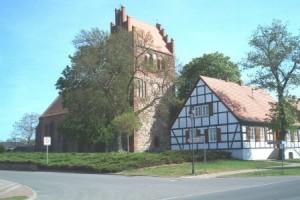 Nitzow - Vorderansicht der Kirche
