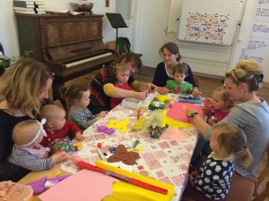 Eltern-Kind-Gruppe-Krabbelgruppe