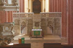 dom-kanzel-altar