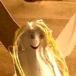 Adventsbasteln - Zu Hause: Weihnachtsengel aus Papier(teller)